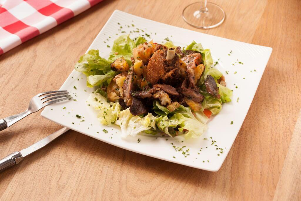 Grande salade de gésiers d'oie confits